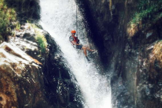 WaterfallWeb